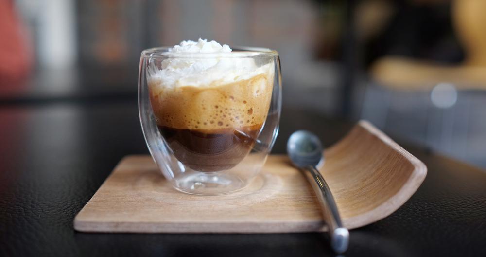 Crema de café con chocolate y media crema