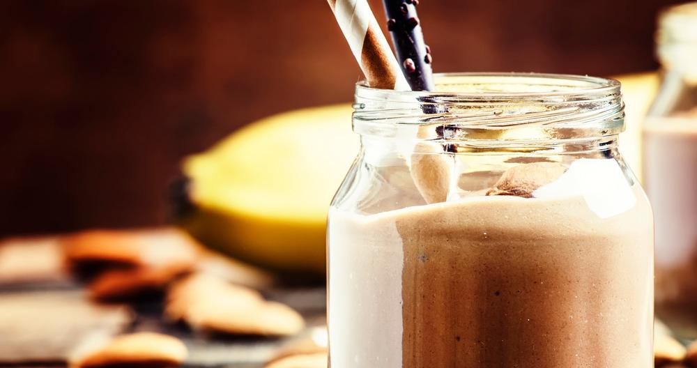 Malteada con media crema y leche Lala