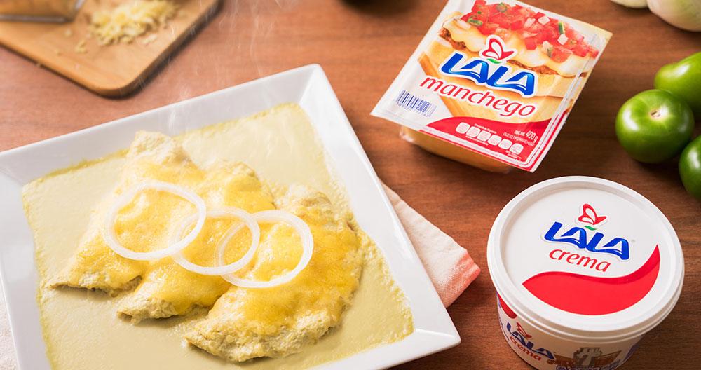 Enchiladas Suizas rellenas de pollo con camarón cubiertas con queso Manchego LALA