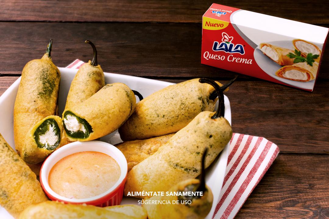 Chiles jalapeños rellenos de queso crema